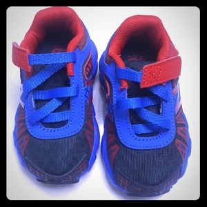 Size 3 New Balance baby tennis shoes